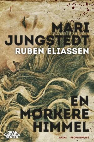 Bogomslag til En mørkere himmel af Mari Jungstedt
